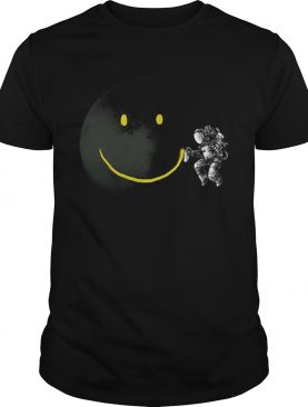 Awesome Make a Smile Graphic Astronaut Make The Moon A Smile shirt